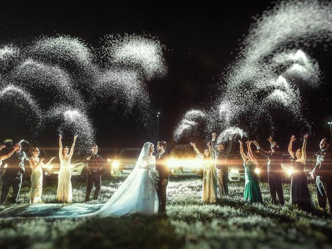 Z hor do vnitrozemí: 50 nejlepších svatebních fotografií roku 2016