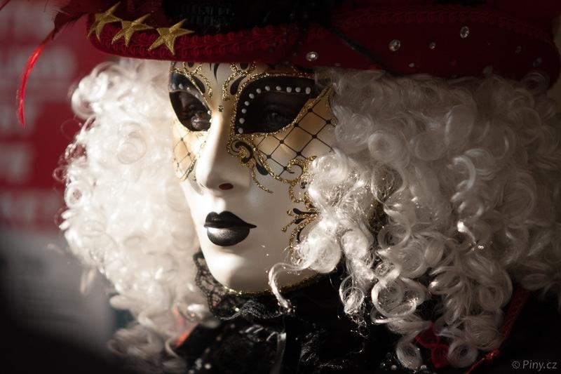 Maska – originální snímek.