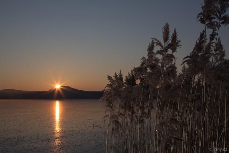 Ráno u Komárovského rybníka – před úpravou.