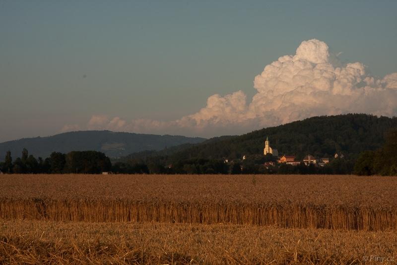 Oblaka nad Všení – originální snímek.