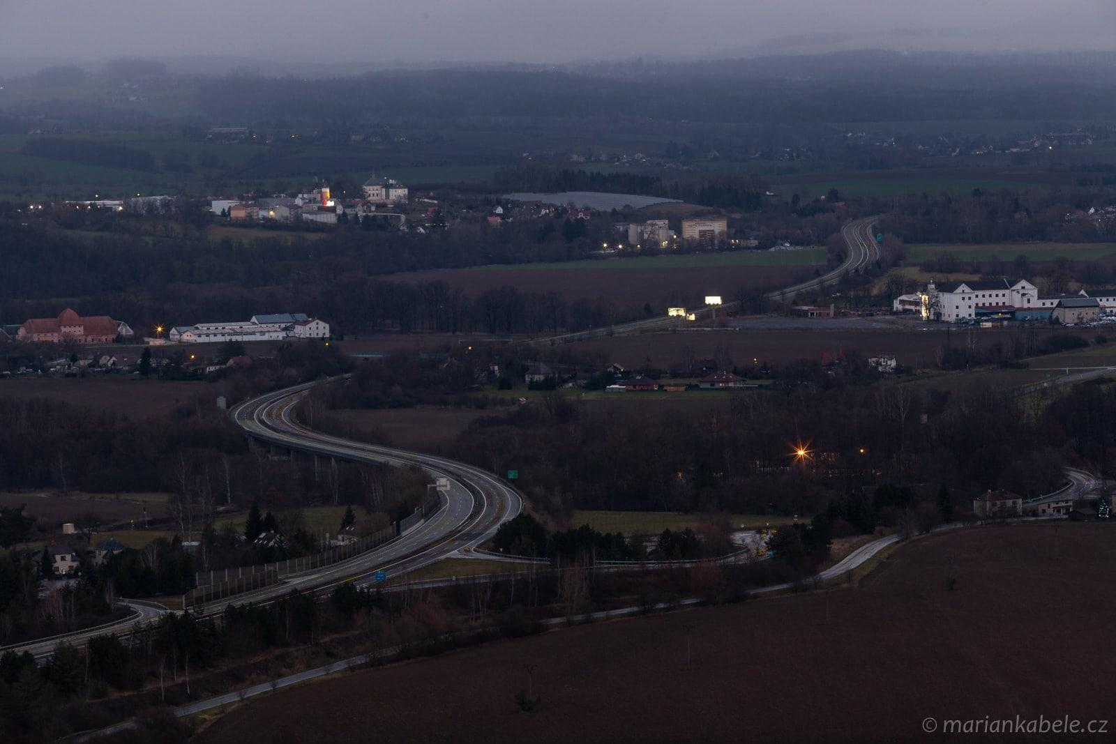 Kam zmizela auta z dálnice D10?