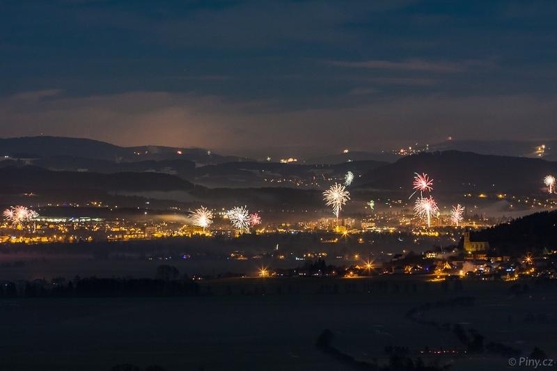 Fotopoutník: Silvestrovské ohňostroje nadČeským rájem